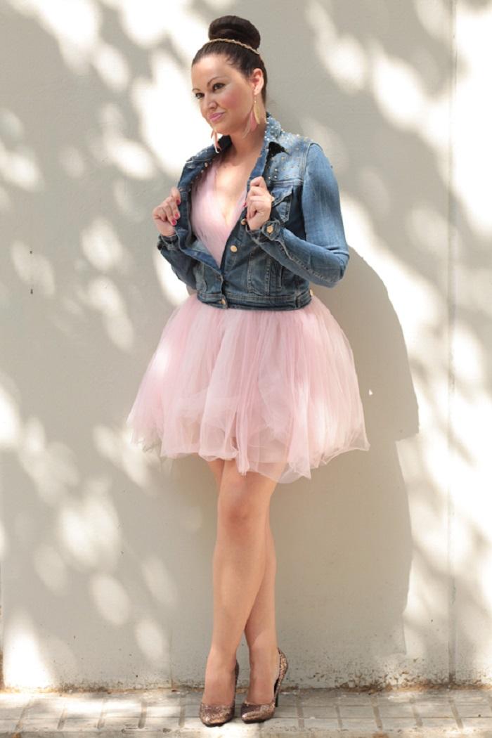 Look bailarina con vestido de tul y moño alto Trends And Fashion Blog de Moda 7