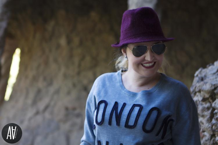 Sudadera con mensaje London Calling de Bellerose Parque Guell. Blog moda y tendencias 6