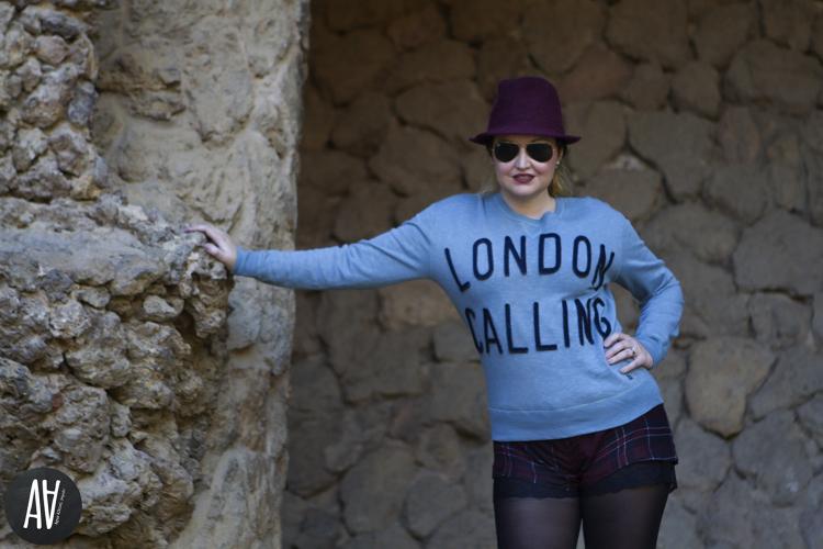 Sudadera con mensaje London Calling de Bellerose Parque Guell. Blog moda y tendencias 9