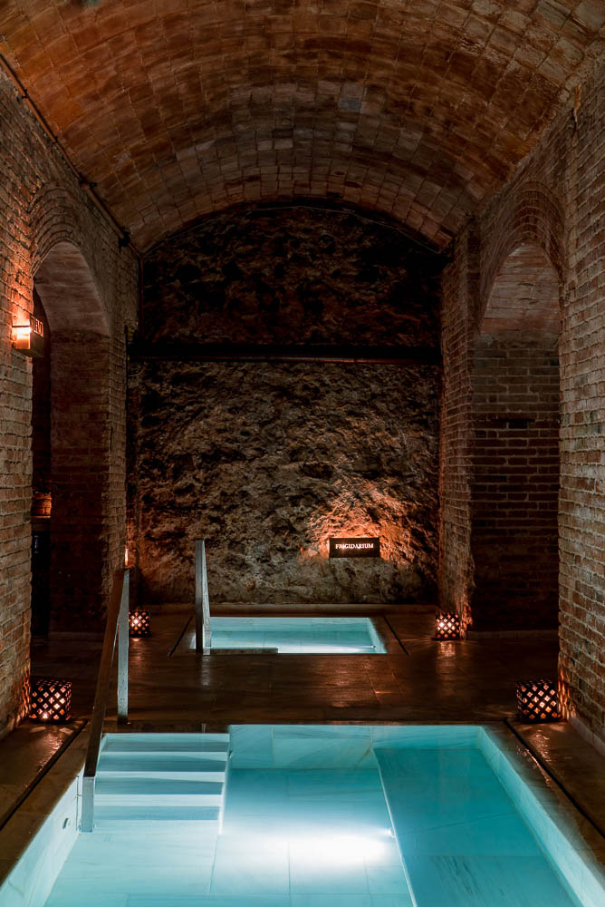 bano-de-vino-en-aire-de-barcelona-aire-ancient-baths-6