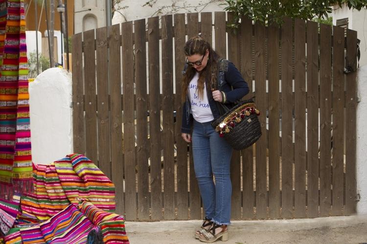 Camisetas con mensaje de Rojopiruleta en viaje a Ibiza blog de moda 2